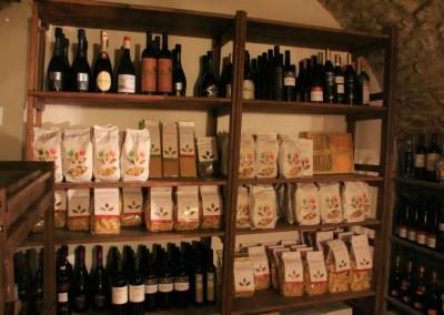 Cantina dell' Agriturismo La Cittadella di Montemonaco sui Monti Sibillini6