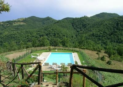Piscina dell'Agriturismo La Cittadella a Montemonaco sui Monti Sibillini12