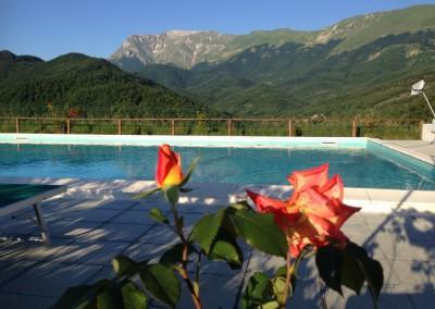 Piscina dell'Agriturismo La Cittadella a Montemonaco sui Monti Sibillini6