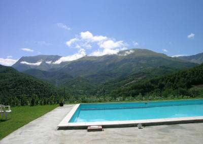 Piscina dell'Agriturismo La Cittadella a Montemonaco sui Monti Sibillini8