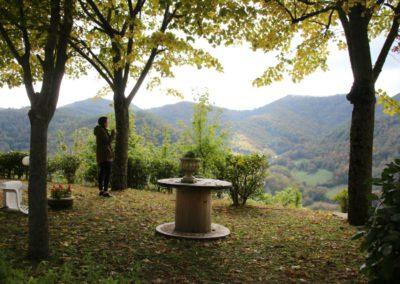 autunno-e-castagne-alla-cittadella-di-montemonaco-sui-monti-sibillini28